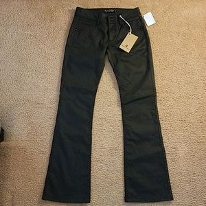 NWTS FREEMAN T PORTER JEANS SIZE 27.